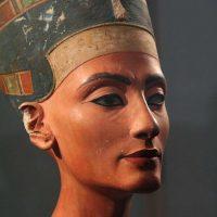 Nefertiti - The case of the missing claim?