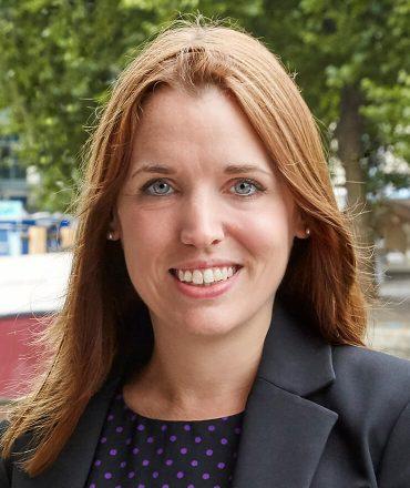 Lesley Warren
